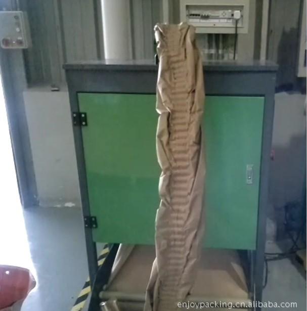 缓冲牛皮纸加工器